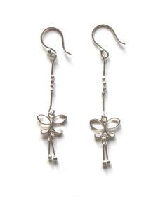 Fairtrade oorbellen Thailand - zilveren hangertjes fijn vlindertje