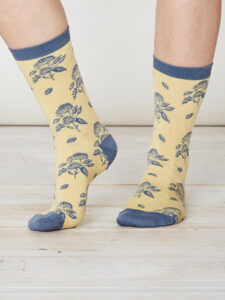 SPW216-Flora-Bamboo-Socks-Maize-Front